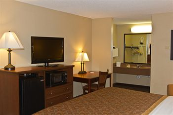 Greenstay Hotel & Suites, Saint James MO
