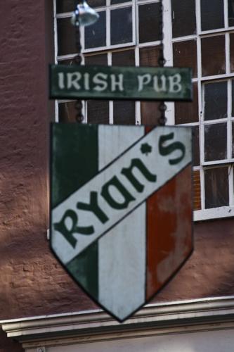 Ryan's Irish Pub Atm - New Orleans, LA