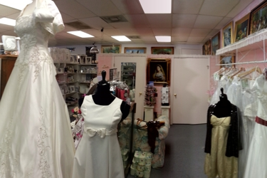 Lizzy's Gifts & Bridal