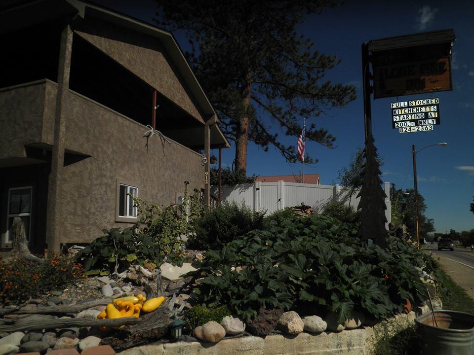 Lone Pine Inn, Craig CO