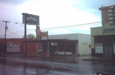 Laura's Laundry & Dry Cleaning - San Antonio, TX