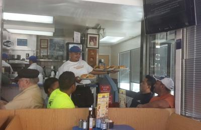 Bob & Edith's Diner - Arlington, VA. Best customer service in the area.