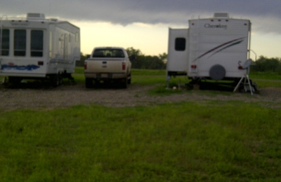 Twin Oaks RV Park - Poteet, TX