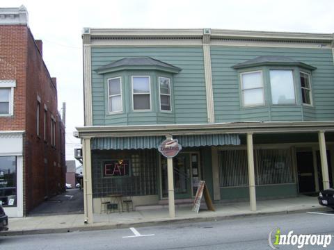 Dan's Dogs A Hot Dog Eatery, Medina OH