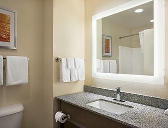 Days Inn & Suites Belmont, Belmont OH