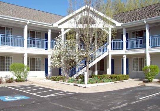 Fontana Village Inn, Fontana WI