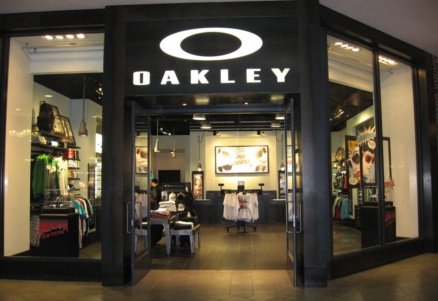 Oakley O Store