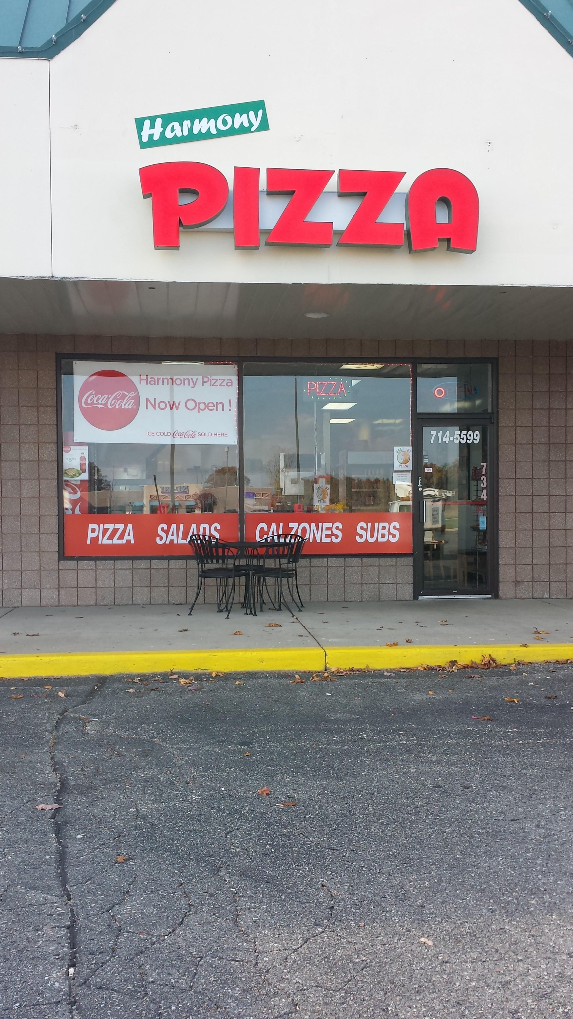 Harmony Pizza, Highland MI