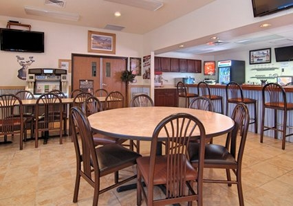 Rodeway Inn & Suites, Hoisington KS