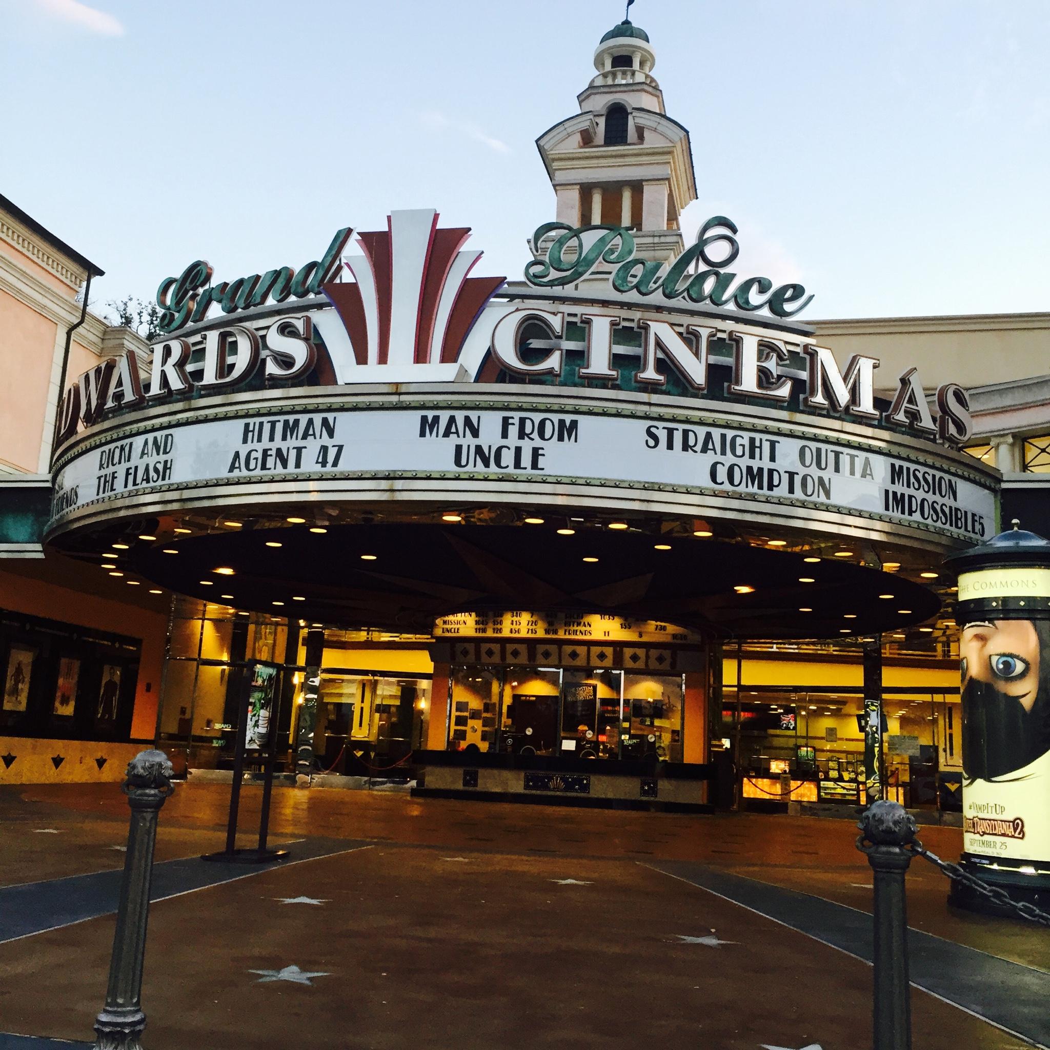 Regal Cinema - Edwards Grand Palace Stadium 6, Calabasas CA