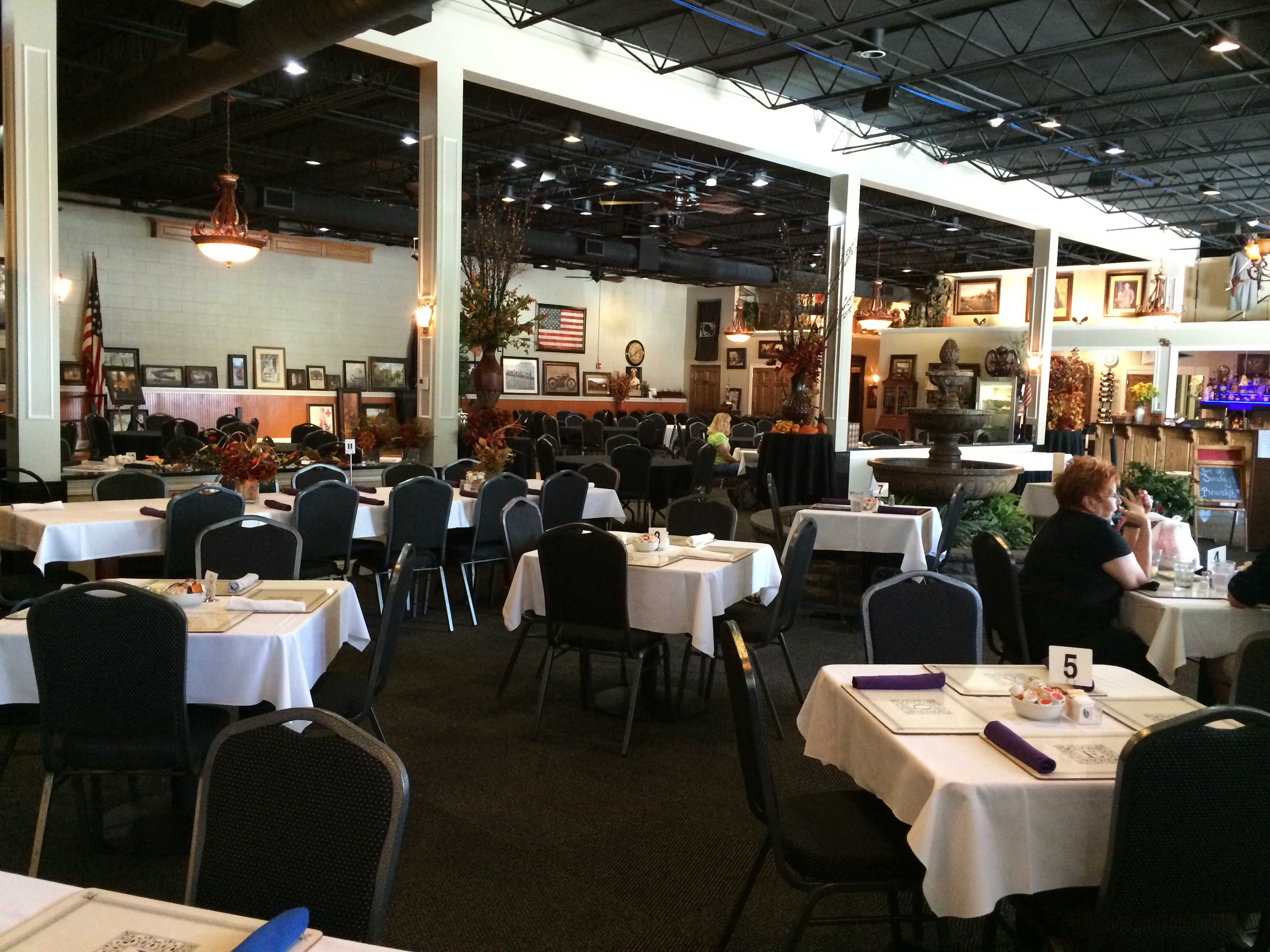 June's Northland Restaurant & Banquet Facility, Leavenworth KS