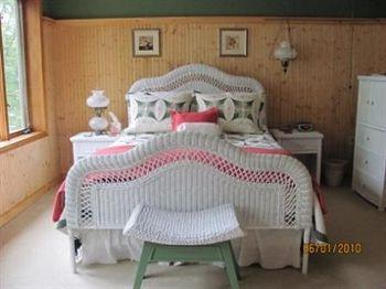 Xanadu Island Bed & Breakfast and Resort, Battle Lake MN
