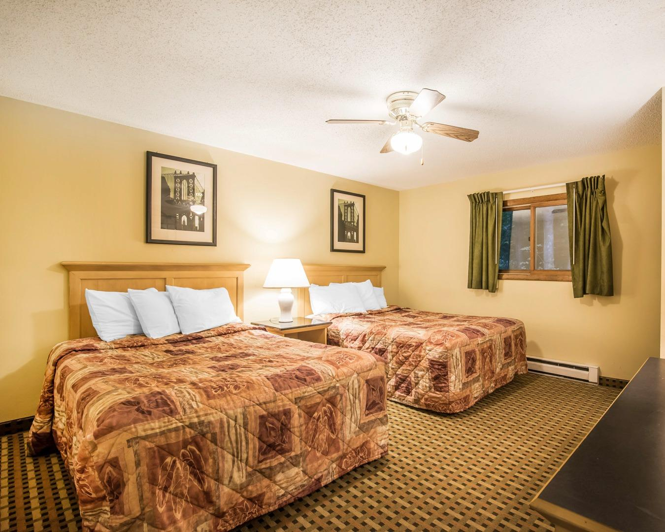 Econo Lodge Inn & Suites, Lincoln NH