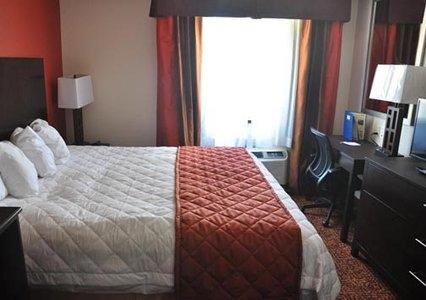 Rodeway Inn & Suites near Okoboji Lake, Milford IA