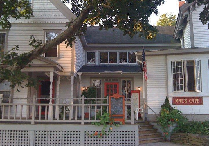 Mae's Cafe & Bakery, Bath ME