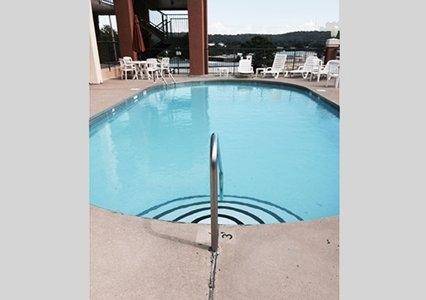 Quality Inn & Suites, Clarksville AR