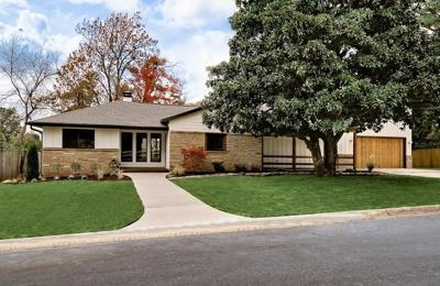 John Sells NWA Real Estate - Fayetteville, AR