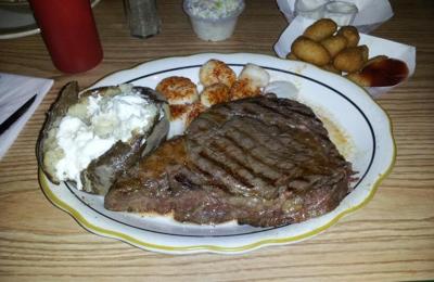 Harbor Inn Seafood Restaurant - Burlington, NC