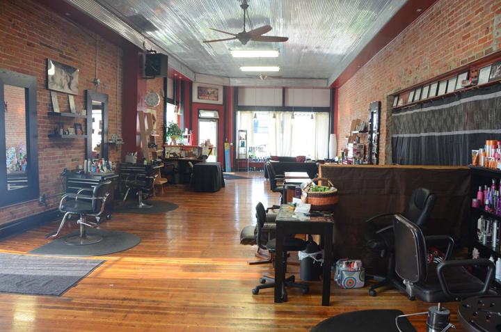 Studio 17 Salon & Spa, Oelwein IA