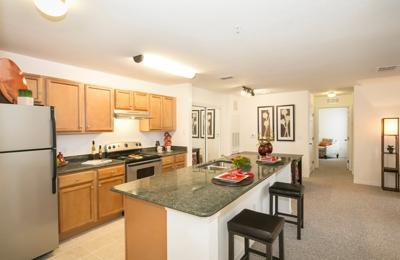 Uptown Maitland Apartments - Maitland, FL