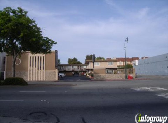 Howard Johnson - San Mateo, CA
