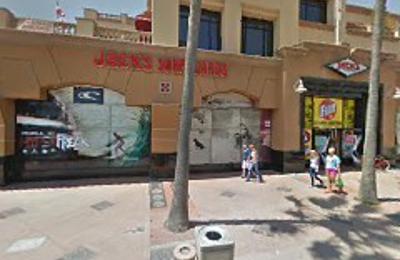Jack's Surf & Sport - Huntington Beach, CA