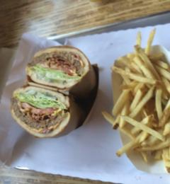 Everest Burgers - Glendale, CA. Pastrami Burger