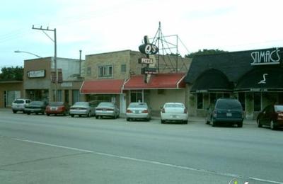 Q's Restaurant & Pizzeria - Hillside, IL