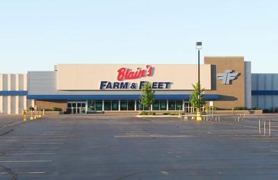 Blain S Farm Fleet Moline Illinois 5900 John Deere Rd Moline