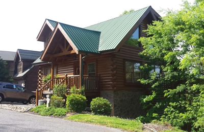 American Patriot Getaways - Pigeon Forge, TN. Our cabin.  Loved it!!