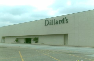 Dillard's - Houston, TX