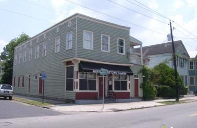 Moes Crosstown Tavern - Charleston, SC