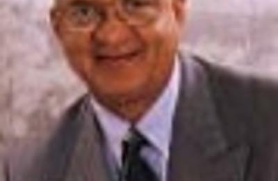 Dr. Garth O Vaz, MD - Gonzales, TX