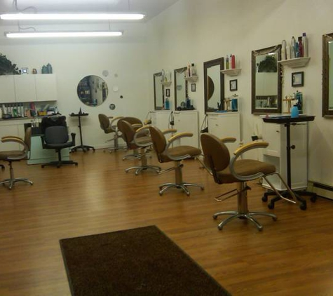 Wave Lenths Salon - Perry, NY