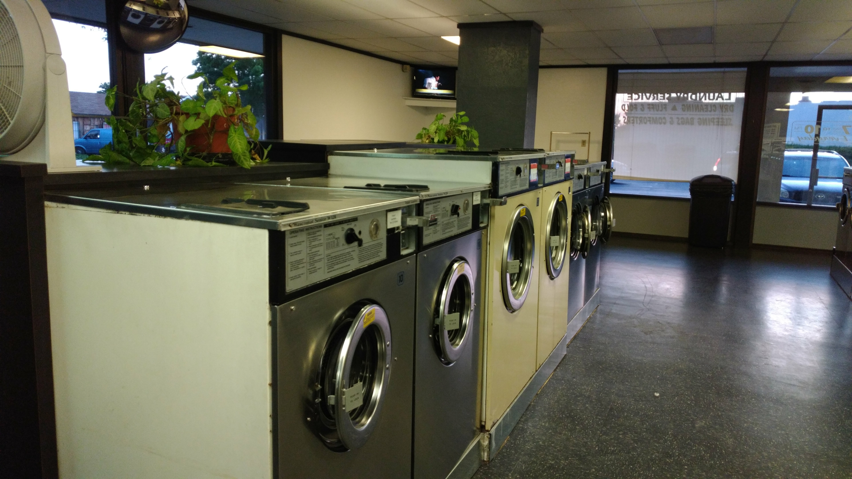 Neighborhood laundry 986 east ave chico ca 95926 yp solutioingenieria Choice Image