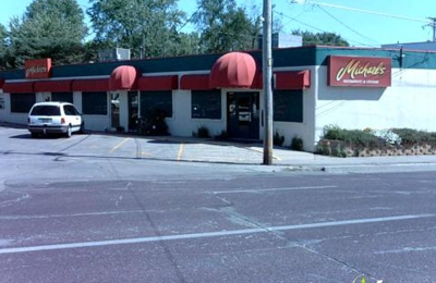 Saints Pub Plus Patio - Des Moines, IA