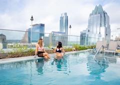 Azul Rooftop Bar + Lounge - Austin, TX