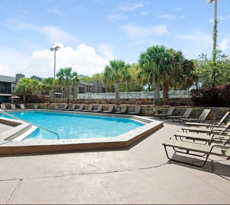 Jasmine Creek Apartments - Pensacola, FL