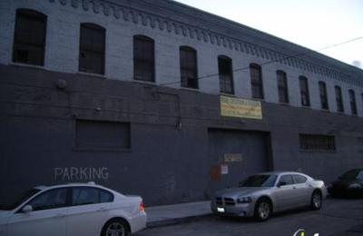 Pour Haus Wine Bar - Los Angeles, CA