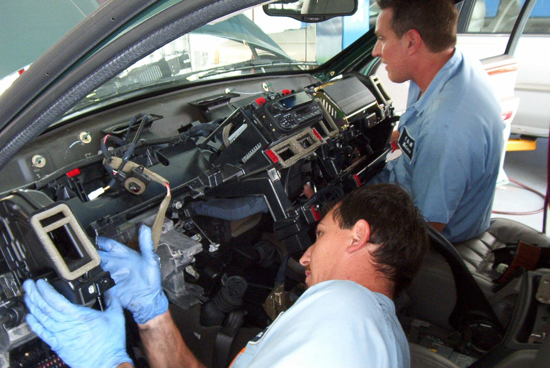 E & M Motors 3684 SE Dixie Hwy, Stuart, FL 34997 - YP.com
