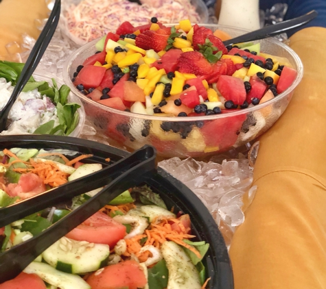 Corporate Source Catering & Events - Horsham, PA. Chillin in the heat with an ice table Corporate Source Catering