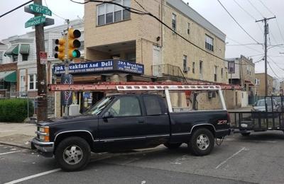 TheVisionAdvantage.com - Philadelphia, PA. Chris-Grass-Cutting