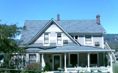 Oak Street Hotel & Vacation Homes