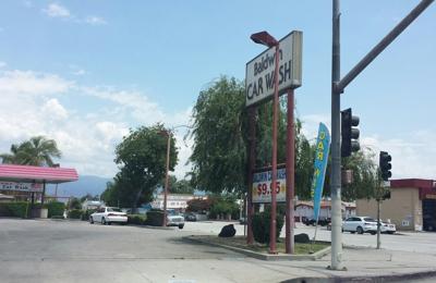Baldwin Car Wash - El Monte, CA. Outside