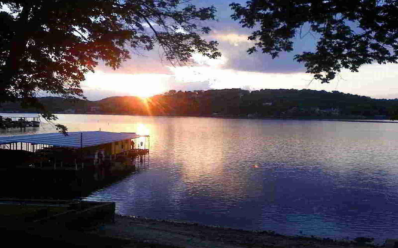 Lake Breeze Resort, Camdenton MO