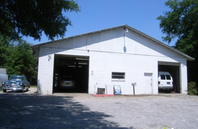 Meredith's Auto Clinic Inc - Lady Lake, FL