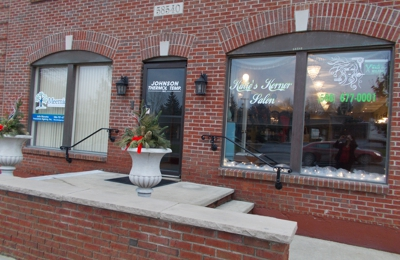 Katie's Korner Salon - Washington, MI
