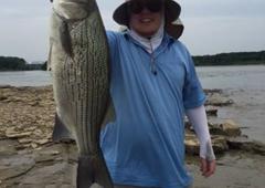 Gone Fishing Guide Service - Shelbyville, KY. Trophy Hybrid for Dinner!