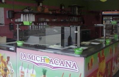 La Michoacana Ice Cream Parlor - Crystal Lake, IL
