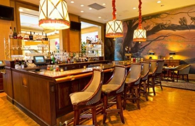 Explorers, an American Gastropub - Baltimore, MD. Explorer's Lounge at the Harbor Court